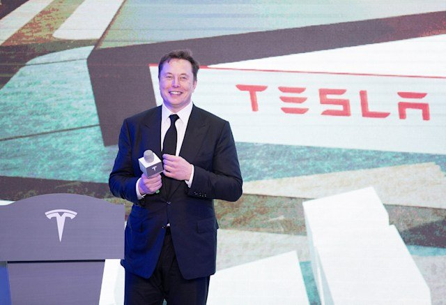Elon Musk received $ 775 million - Musk earned 1.7 million shares of Tesla