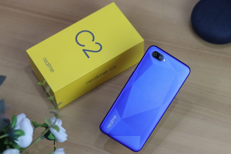 It is too early for users of the ultra-budget Realme C2 to despair. Android 10 update will arrive from day to day - Phone Mantra