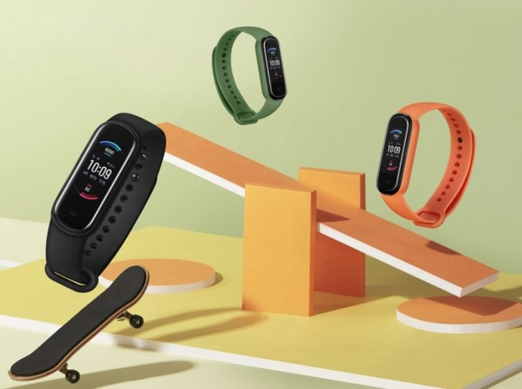 Fitness bracelet Amazfit Band 5 can track the level of blood oxygen saturation - Phone Mantra