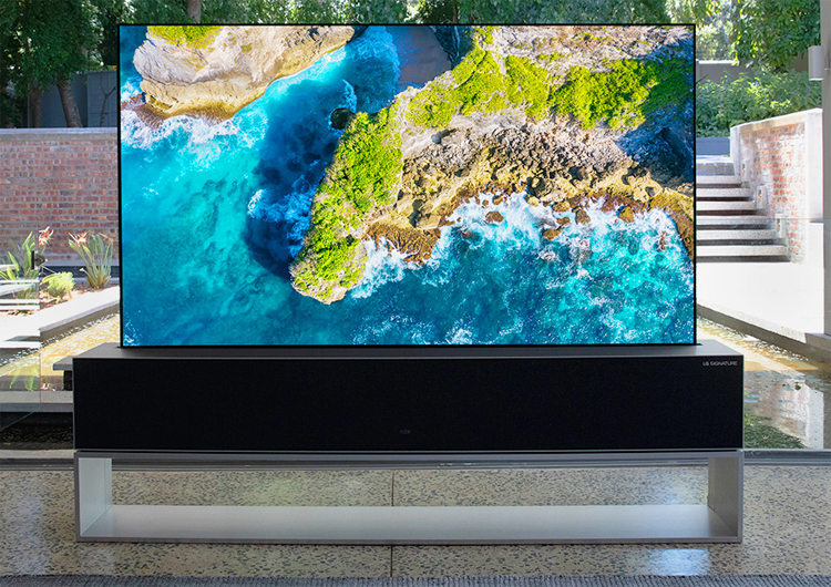 LG will begin shipping the world's first rollable TV in October. Price will exceed $ 85000 - Phone Mantra